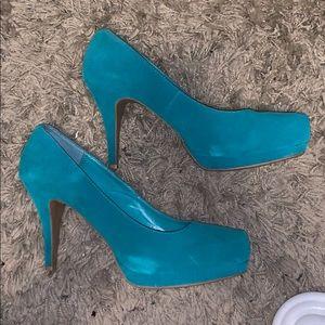 Bamboo platform heel, turquoise suede